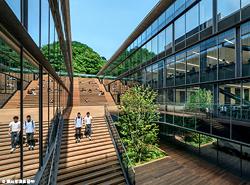 京都産業大学サギタリウス館